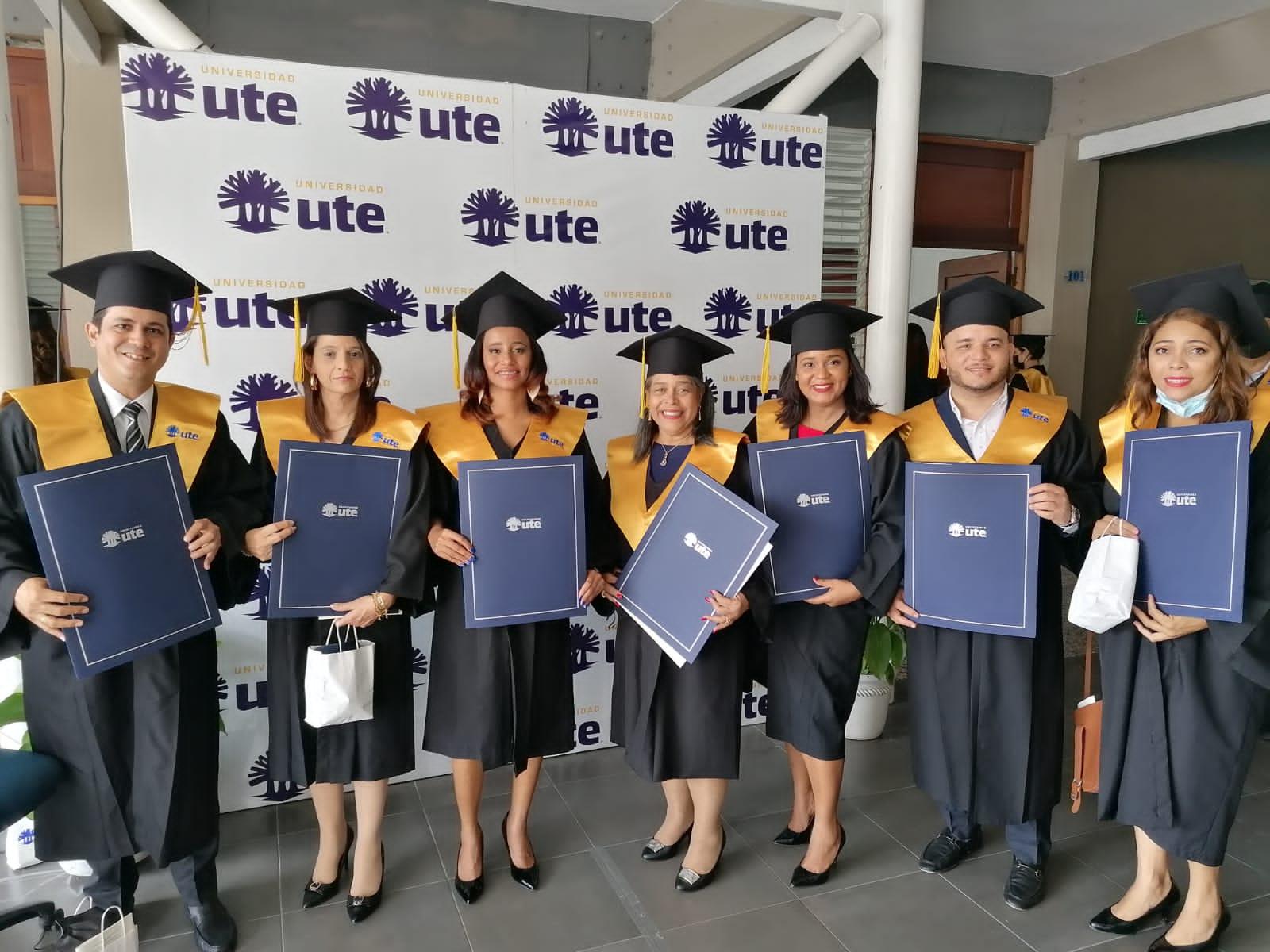 *UTE gradúa a 306 nuevos profesionales en carreras de Grado y Posgrado*