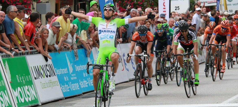 Sonny Collbrelli (Bardiani), ganador de la 1ª etapa. Foto: Bardiani.