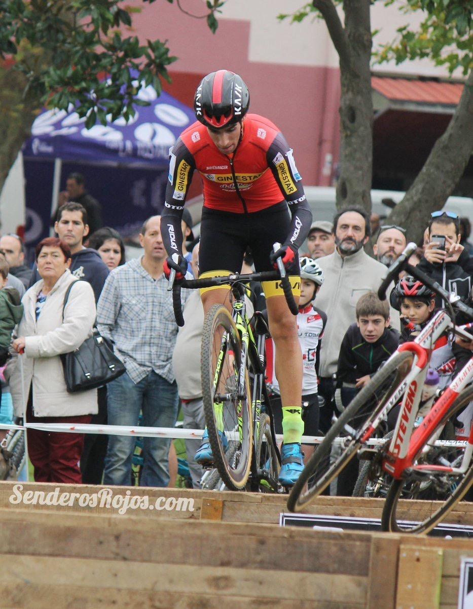Felipe Orts fue segundo en Muskiz. Foto © Senderos Rojos