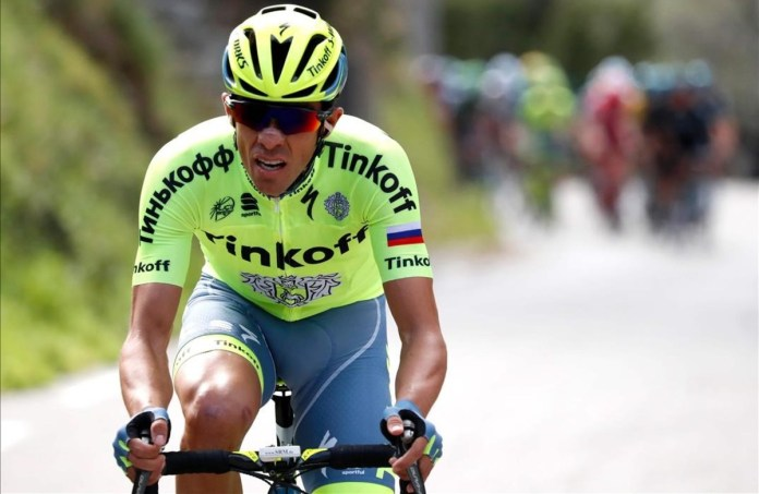 No se lo pensó dos veces. Contador hizo gala una vez más del ciclismo ofensivo que le caracteriza y se lanzó a por la victoria a 55 kilómetros para el final de la etapa. © Kenzo Tribouillard