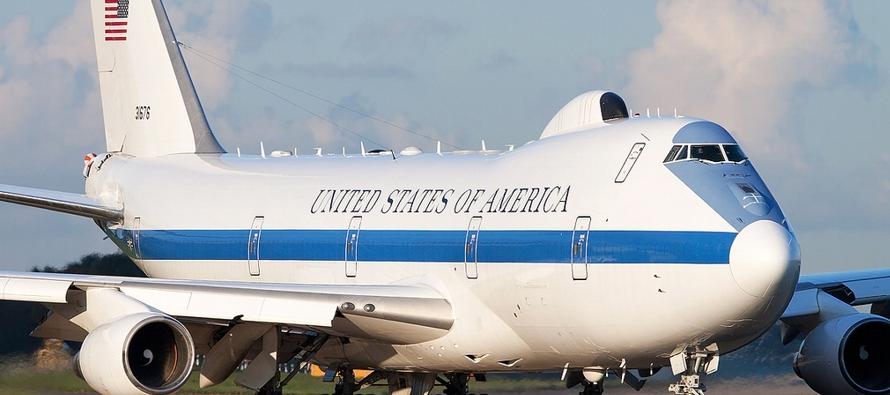 Resultado de imagen para Así es el Air Force E-4B, la fortaleza del jefe del Pentágono