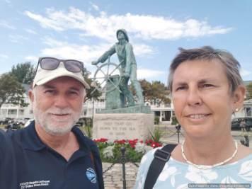 monumento a los fallecidos en el mar