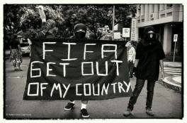 FIFA sal de mi país!