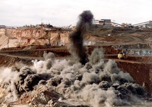 La contaminación por la explotación minera que genera el polvillo del carbón que queda suspendido en el aire, y la falta de tierra para cultivar, tiene con problemas de desempleo a la comunidad de El Hatillo, jurisdicción de El Paso, según informe realizado por Reclame, Cedetrabajo y el Instituto Ecojugando. EL PILÓN/ Archivo