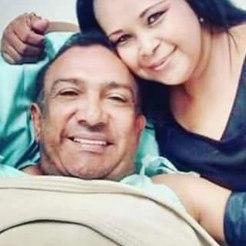 Una fanática de Beto Zabaleta logró esta foto con el artística cuando se encontraba bajo observación médica, en una clínica de Barranquilla, y compartió la imagen en las redes sociales.