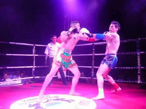 En los 72 kilogramos, Claudio Maestre derrotó por nocaut al barranquillero Luis Vanoy.