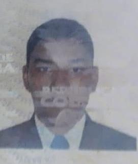 El vallenato, Nelson Enrique Zapata Novoa, falleció mientras se desplazaba en una motocicleta en compañía de otras dos personas.