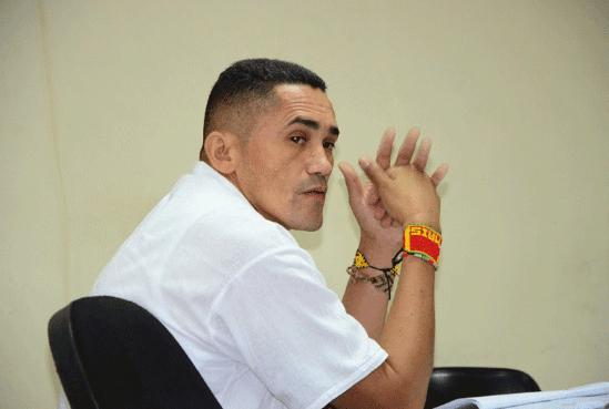 Walter Arias Ariza, acusado de distribuir fotos de los menores de edad.