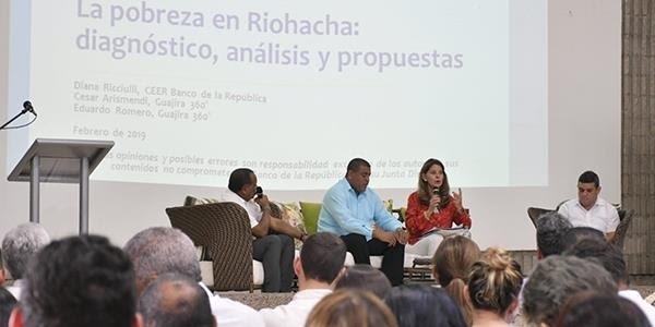 La vicepresidenta Martha Lucía Ramírez asistió al evento organizado por el Banco de la República sobre Pobreza en Riohacha.