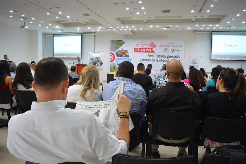 Con la presencia de muchos representantes de la comunidad se realizó este evento que invita a la discusión de temas que hacen parte de la agenda regional.   FOTO: SERGIO MCGREEN.