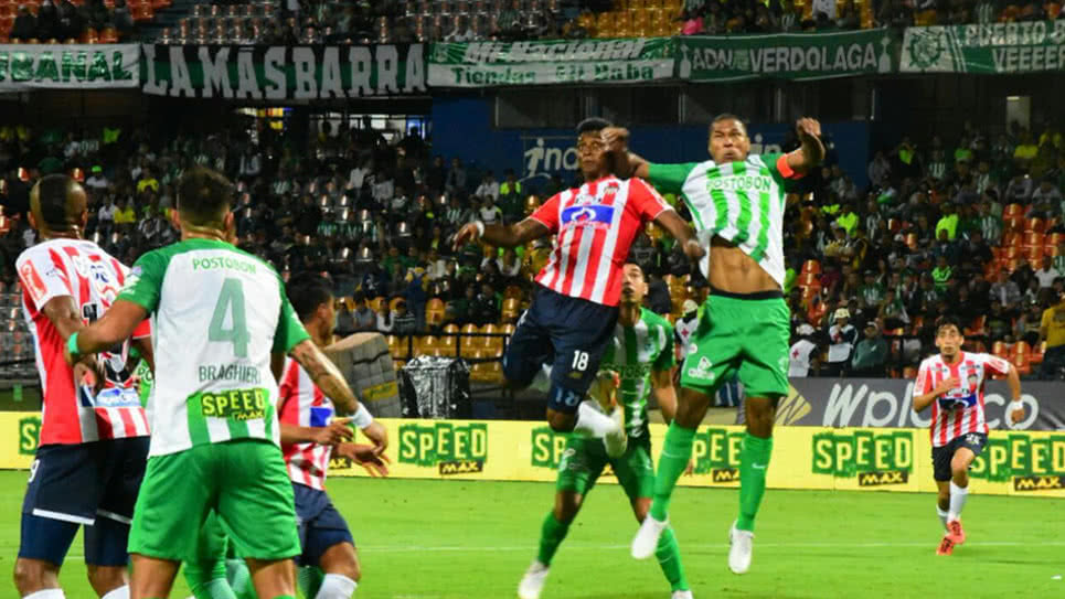 Junior y Nacional siempre se han caracterizado por no dar ni un solo balón por perdido.  Foto: Cortesía.