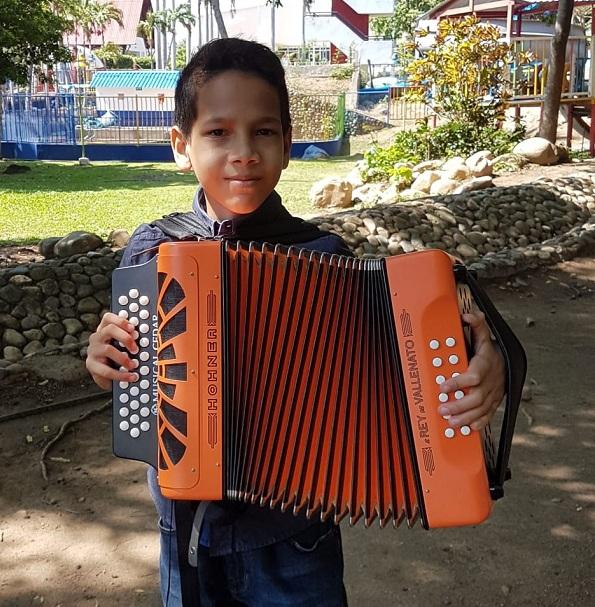 Así como Luis Camilo varios participantes vuelven a intentar una vez más conseguir el triunfo en la categoría Infantil de acordeoneros del festival.   Foto: DANIELA RINCONES JULIO.