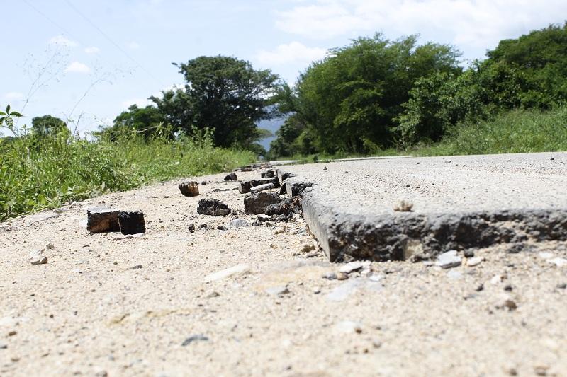 Las entidades territoriales que deseen mejorar las vías terciarias pueden postularse hasta el viernes 31 de mayo al programa Colombia Rural.  Foto: Joaquín Ramírez.