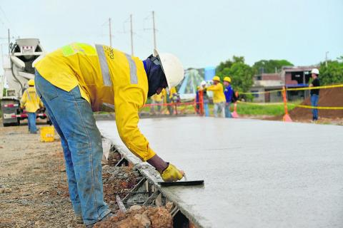 El estudio determina el cumplimiento de los plazos en la ejecución de los proyectos.