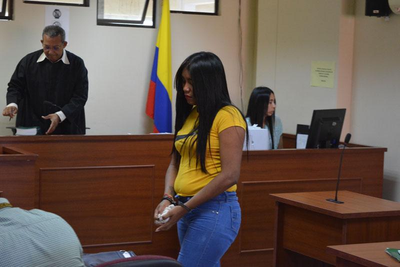 Osmeidy Navarro Anaya asistió a la audiencia acompañada de su familia.   Foto: Sergio Mcgreen
