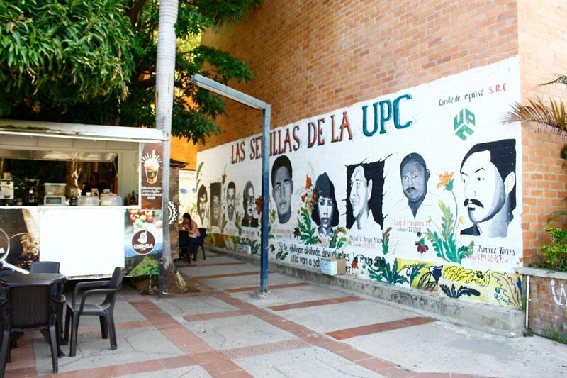 En la universidad hay murales dibujados con las víctimas de la violencia que atacó a la UPC por más de 20 años.   Foto: Joaquín Ramírez