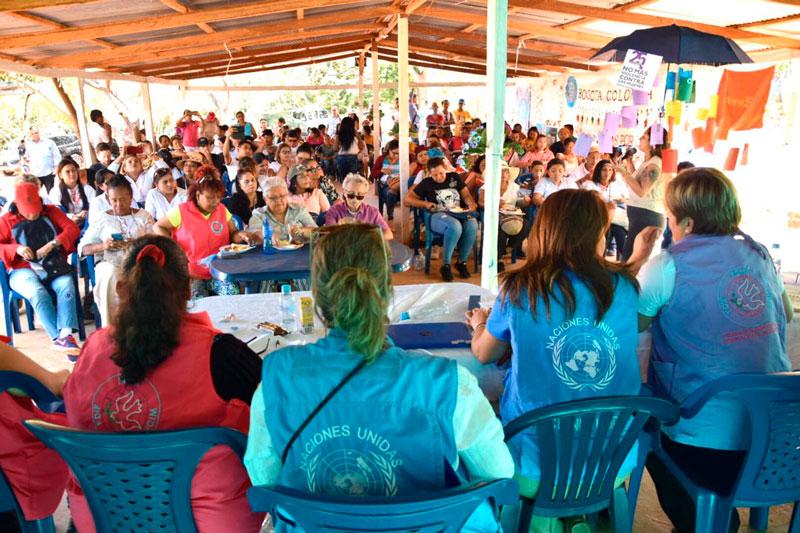 Las mujeres presentes en el encuentro expresaron la necesidad de trabajar en la eliminación de la violencia contra la mujer.
