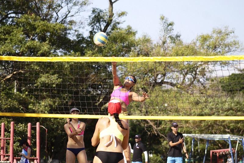 El  voleibol playa en el departamento del Cesar es un deporte relativamente nuevo en cuanto a competencias se refiere.  FOTO/ CORTESÍA.