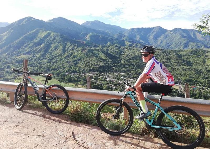 Los bicicrosistas se preparan para su participación deportiva en el parque de la Leyenda Vallenata.