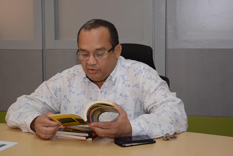 El director encargado del Sena regional Cesar, Carlos Melo Freile.   FOTO/SERGIO MCGREEN.