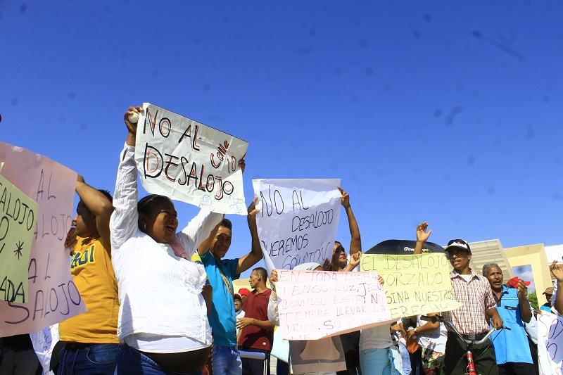 La Resolución Nro. 002841 firmada y emitida por el exalcalde Augusto Daniel Ramírez Uhía que autoriza el desalojo de los predios el cuatro de febrero de 2020.