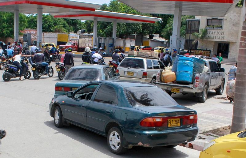 La cooperativa del gremio, Ayatawacoop, aseguró que desde el mes de mayo de 2019  la venta de gasolina supera los 3.661.000 galones.  FOTO/ARCHIVO.