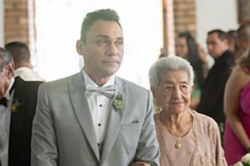 Jean Carlos Centeno y su madre María Jiménez.
