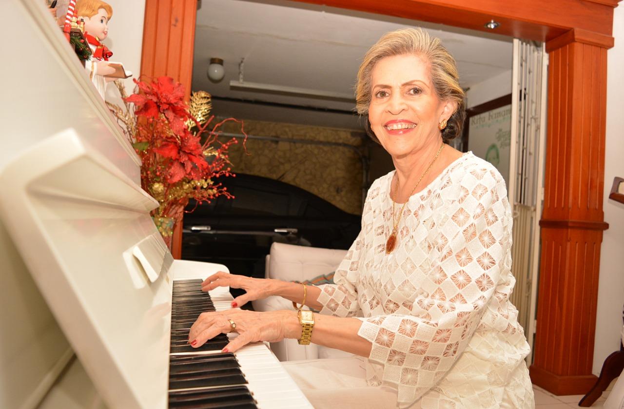 Rita Fernández, una de las más destacadas intérpretes del piano de la región.
