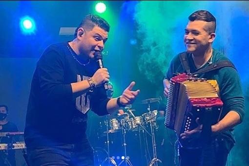 Luifer Cuello se reencontrará con Manuel Julián Martínez, el acordeonero que lo acompañó en sus inicios.      FOTO/CORTESÍA.