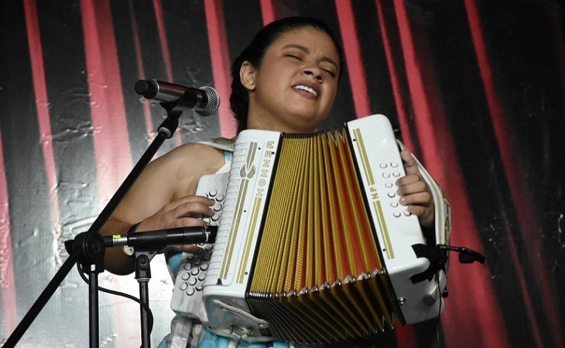 Nataly Patiño ocupó el segundo puesto en la final de acordeoneras mayores del 53 Festival de la Leyenda Vallenata.   FOTO/CORTESÍA.