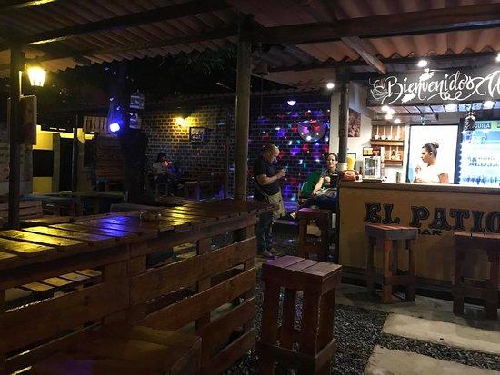 El Patio Bar fue uno de los establecimientos autorizados para reabrir sus puertas en Valledupar.   IMAGEN DE REFERENCIA.