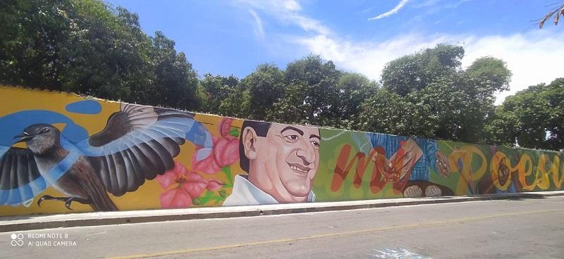 El mural 'Nació mi poesía' está ubicado en el barrio Novalito de Valledupar.     FOTO/JOAQUÍN RAMÍREZ.