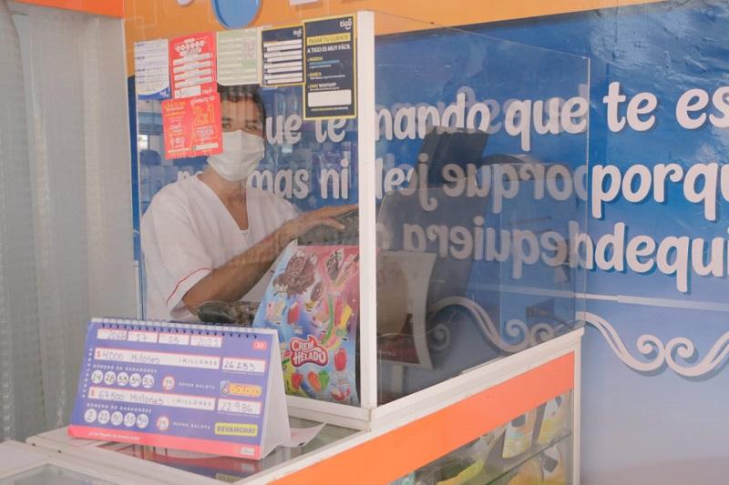 En el corregimiento de La Loma, jurisdicción de El Paso, la comunidad mostró alegría con la inesperada noticia.  FOTO/CORTESIA.