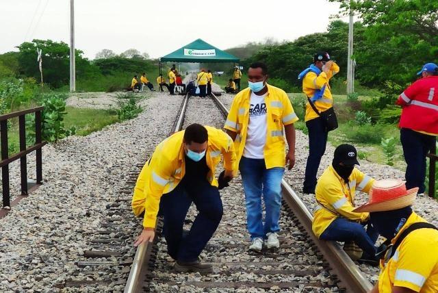 El bloqueo de la línea férrea inició desde el pasado 5 de mayo de 2021. Foto: cortesía.