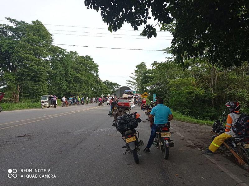 Los manifestantes no terminarán el bloqueo hasta que el gobernador del Cesar, Luis Alberto Monsalvo, se reúna con los querellantes en San Alberto.