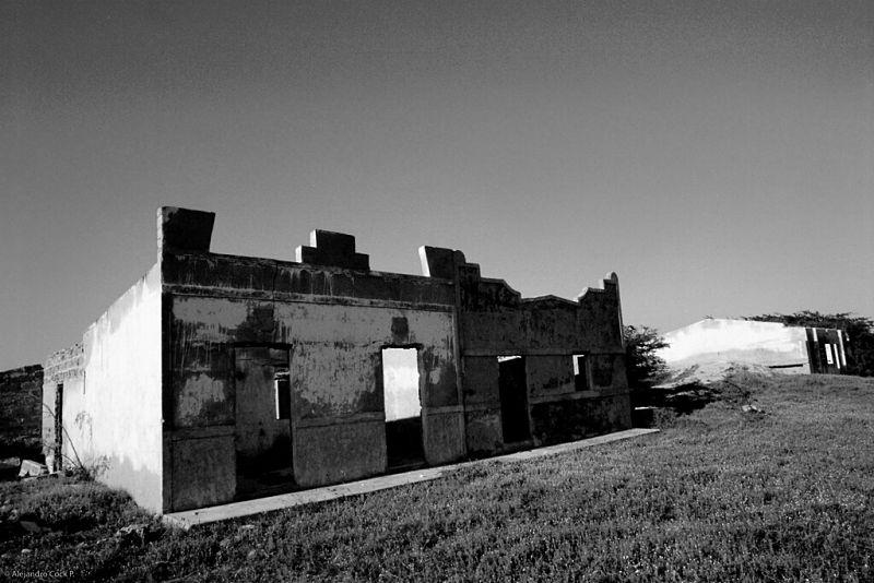 El pueblo de la Alta Guajira luce desértico y abandonado.  Foto: Alejandro Peláez.