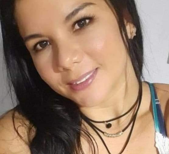 Elisenia Núñez murió en la entrada de su casa de un disparo en la cabeza.
