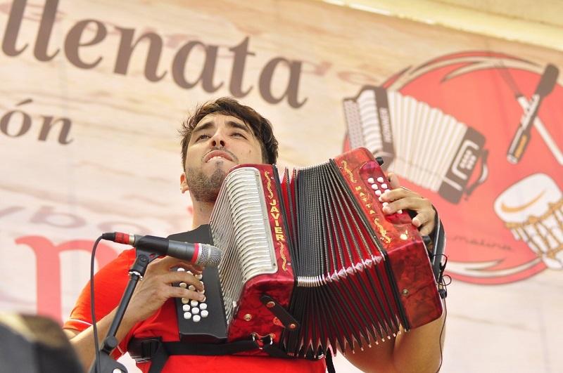 A lo largo de los años Javier Matta ha logrado ganarse el cariño y la admiración de quienes disfrutan el Festival de la Leyenda Vallenata.  FOTO: CORTESÍA.