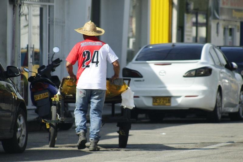 La economía para el mes de mayo tuvo una variación negativa del - 5,8 %.  FOTO: JOAQUÍN RAMÍREZ.