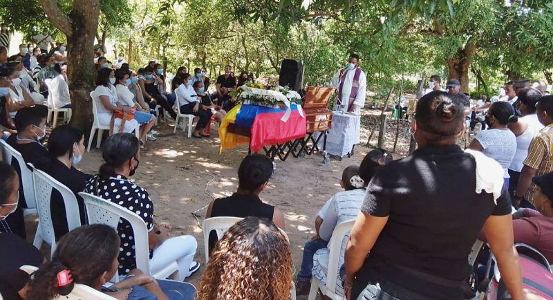 La misa del uniformado fue al aire libre en el corregimiento de Rincón Hondo, en Chiriguaná.