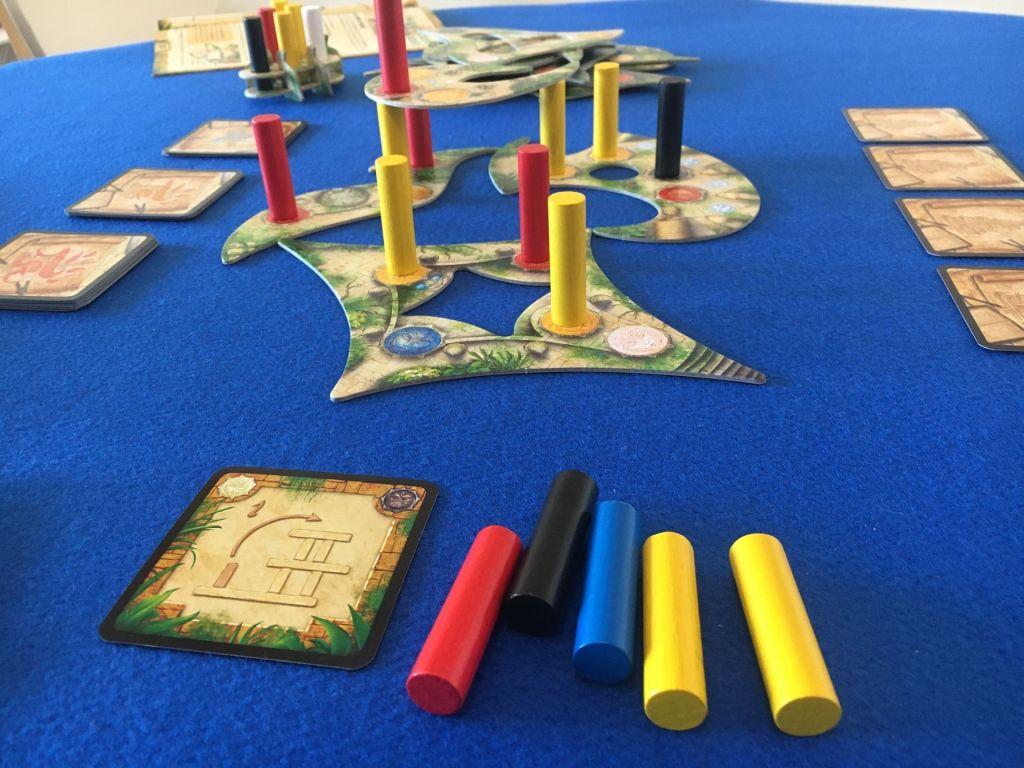 Cumpliendo objetivos en Menara juego de mesa