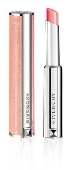 Givenchy presenta su nuevo bálsamo labial de alta costura que brinda tres valores en un gesto: labios hidratados, acción volumizadora y efecto glow. $770.