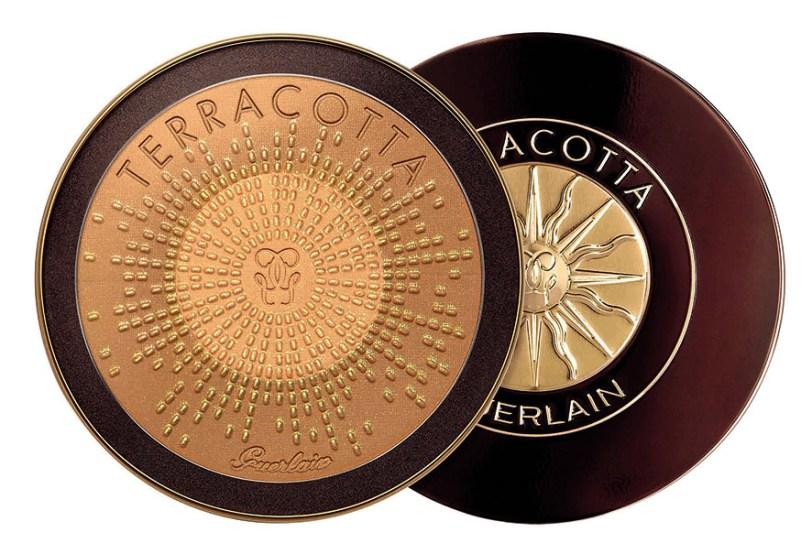 El nuevo polvo bronceador Terracotta Terra Magnífica de Guerlain es una edición limitada única, para mejorar el bronceado e iluminar la piel. $1.180
