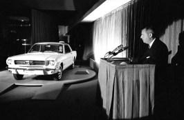 A principios de marzo de 1964, Lee Iacocca presentó al Mustang, que llegó dispuesto a sorprender al mundo, el cual ya lo estaba esperando debido a un eficaz plan de marketing.