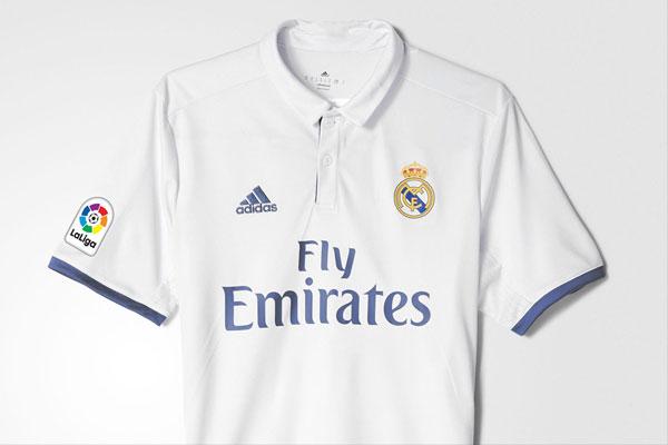 Logo en la camisa del Real Madrid