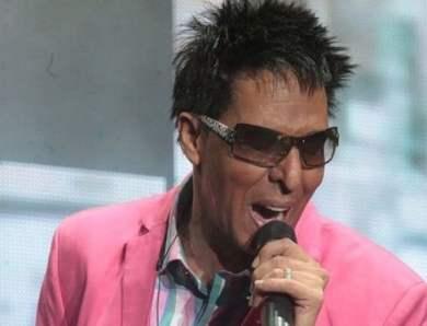 Bonny Cepeda celebra 35 años en música.