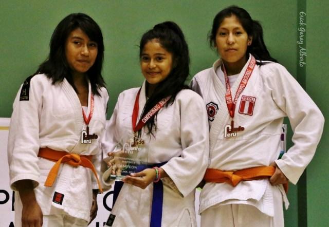 Femenino -44 Kg. 1. Isabel Quijandría (CEDE) 2. Nataly Ventura (Olympique) 3. Anavel Hinostroza (IPD Ayacucho)