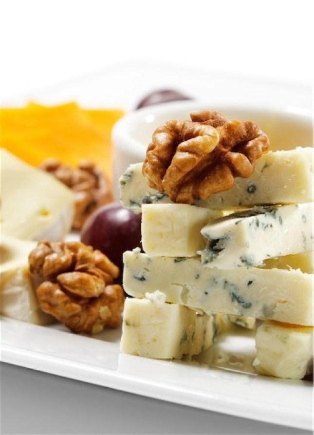 Queso-Gorgonzola-de-leche-de-vaca-de-Italia-uno-de-los-preferidos-del-pais-El-Portal-del-Chacinado