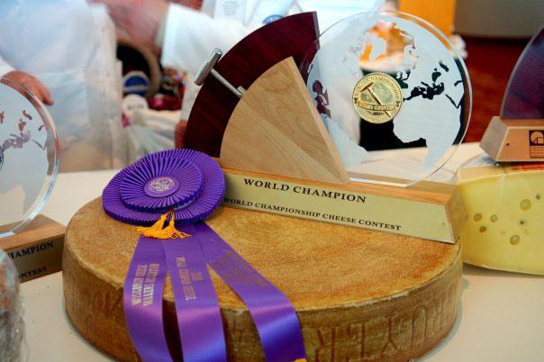 premio-queso-gruyere-AOC-el-portal-del-chacinado