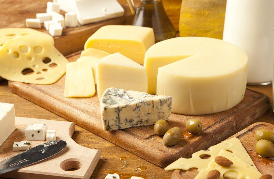 Los-21-tipos-de-quesos-europeos-más-consumidos-en-el-mundo-el-portal-del-chacinado--